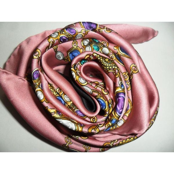 e7364f4010d7 CHANEL, Foulard carré en soie, scarf, sciarpa, seta, seidentuch ...
