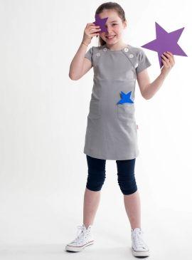 Ontwerp dit tuniekje en versier het zelf bij Little Stylist. Ga snel naar de Ontwerp Studio: www.littlestylist.com. #girlsfashion #littlefashionista #kidsfashion #littlestylist #fashiondiy #girlscloths