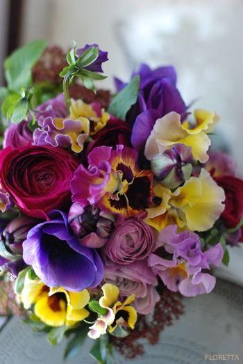 Beautiful flower arrangement!  lesson : FLORETTA DIARY
