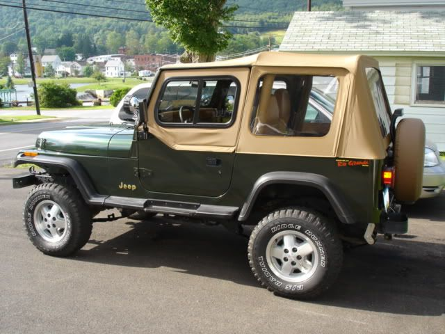 4th Car 1995 Jeep Wrangler Green 1st Of Many Jeeps Jeep Wrangler Jeep Yj Jeep Wrangler Yj
