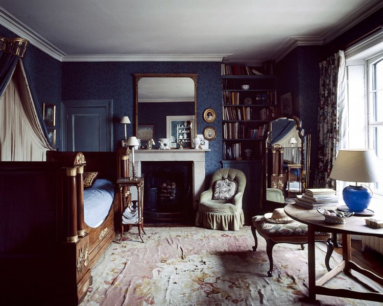 Dark blue victorian bedroom with lovely built in for Dark victorian bedroom