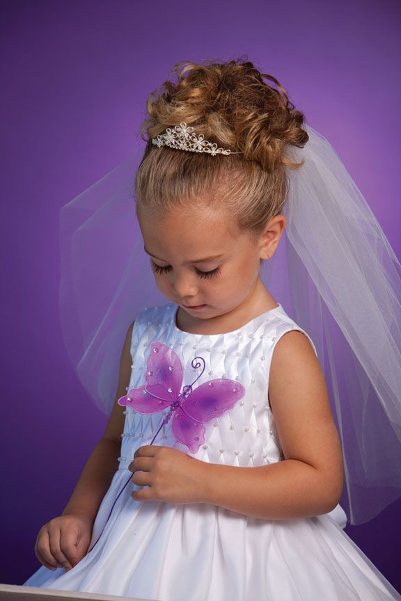 Emily flower Girl hair for char wedding minus the tiara | Sara\'s ...