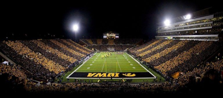 10 Best Iowa Hawkeyes Football Wallpaper Full Hd 1080p For Pc Desktop Iowa Hawkeye Football Hawkeye Football Iowa Hawkeyes
