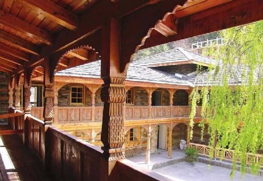 Naggar near #Manali most charming village. It has a lovely medieval castle, Roerich art estate & apple orchards. India