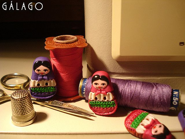 Fátima Fontúrbel Val  Russian Doll Buttons: multi-page photo tutorial on Flickr  Botones matrioskas, hechos a mano con fimo. Colaboración para We Love Crafts. Podéis ver el tutorial que hice en welovecraftsmag.com/.