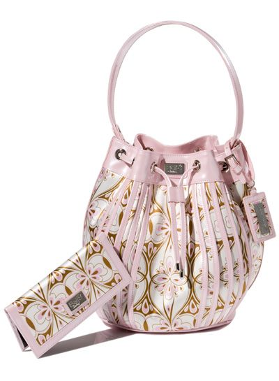 Beijo Bags-Cutie for Date Night!    http://www.facebook.com/pages/Beautiful-Handbags-with-Jen/415880268500849