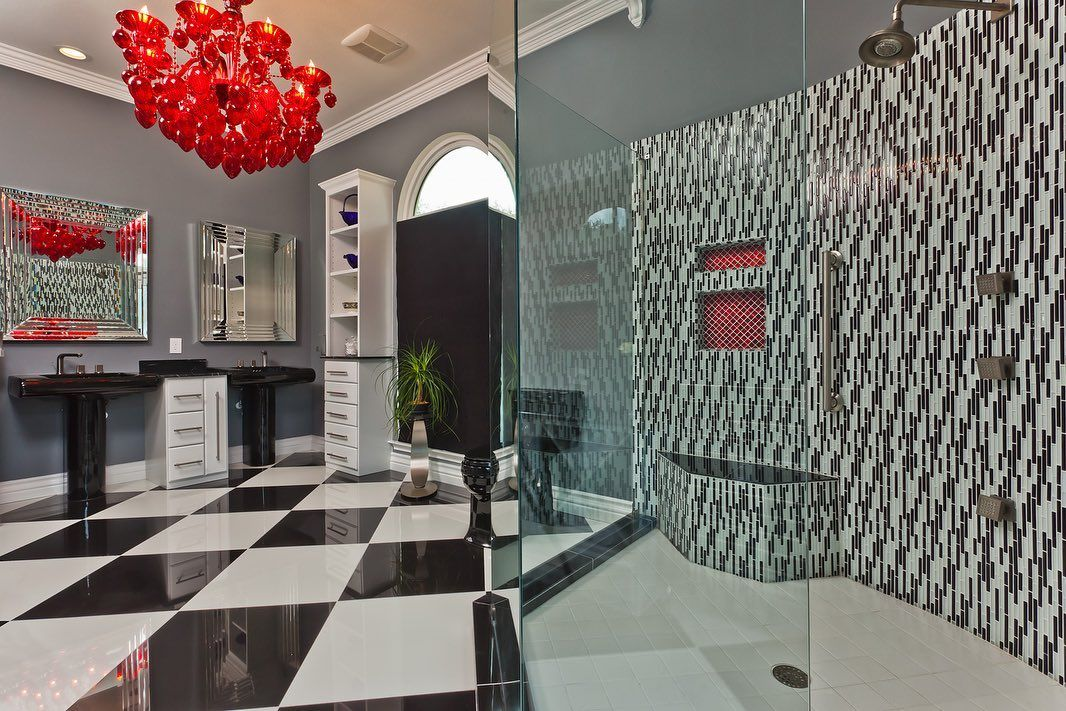 Not Afraid Of Patterns A Pop Of Red In This Bathroom Clearchoice Clearchoicesa Clearchoiceremodeling Janawardinterior