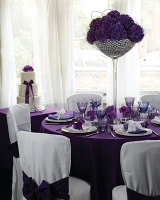 Purple Wedding Centerpieces Like The Tall Center Piece With Bling I Also How It Matches