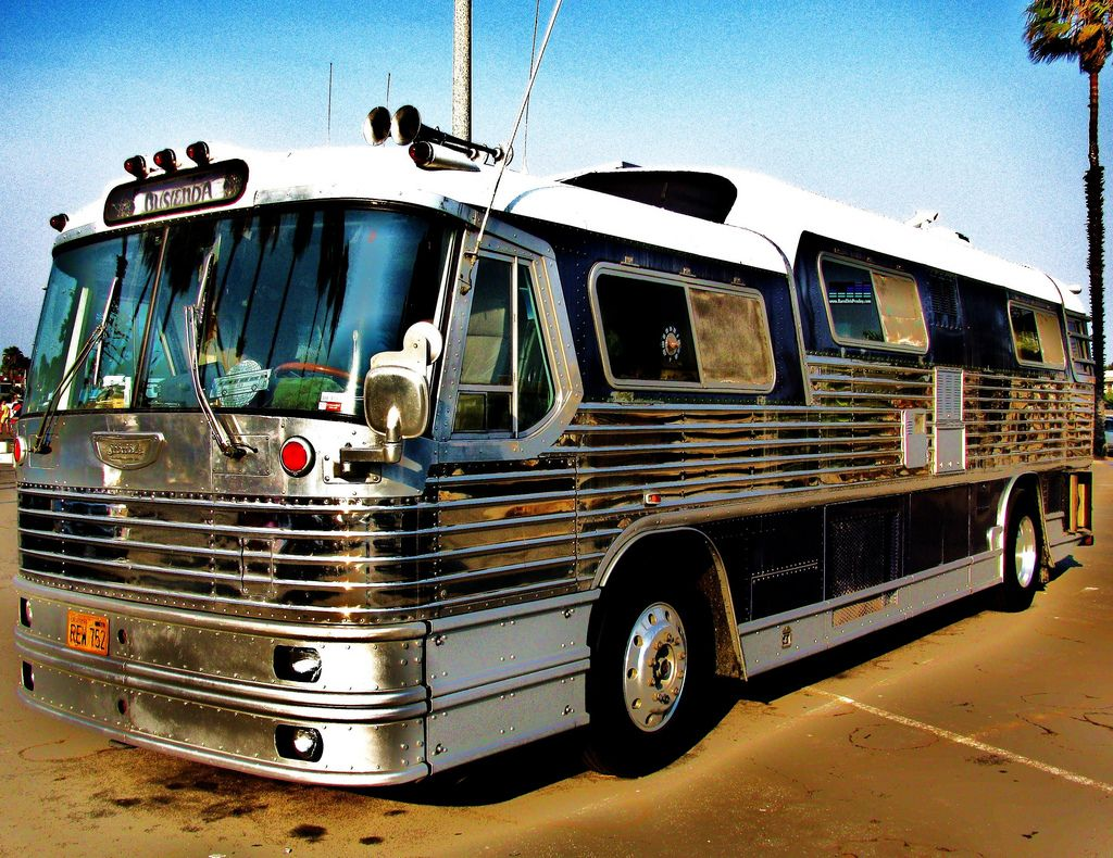One direction tour bus interior - Elvis Tour Bus He Owned A Few Buses One For Getting Himself And One
