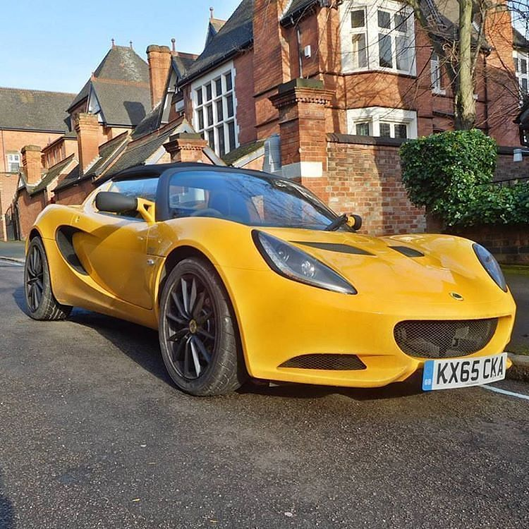 Driving Luxury Car: #LotusElise ________________ Credit To @todd_lithgow