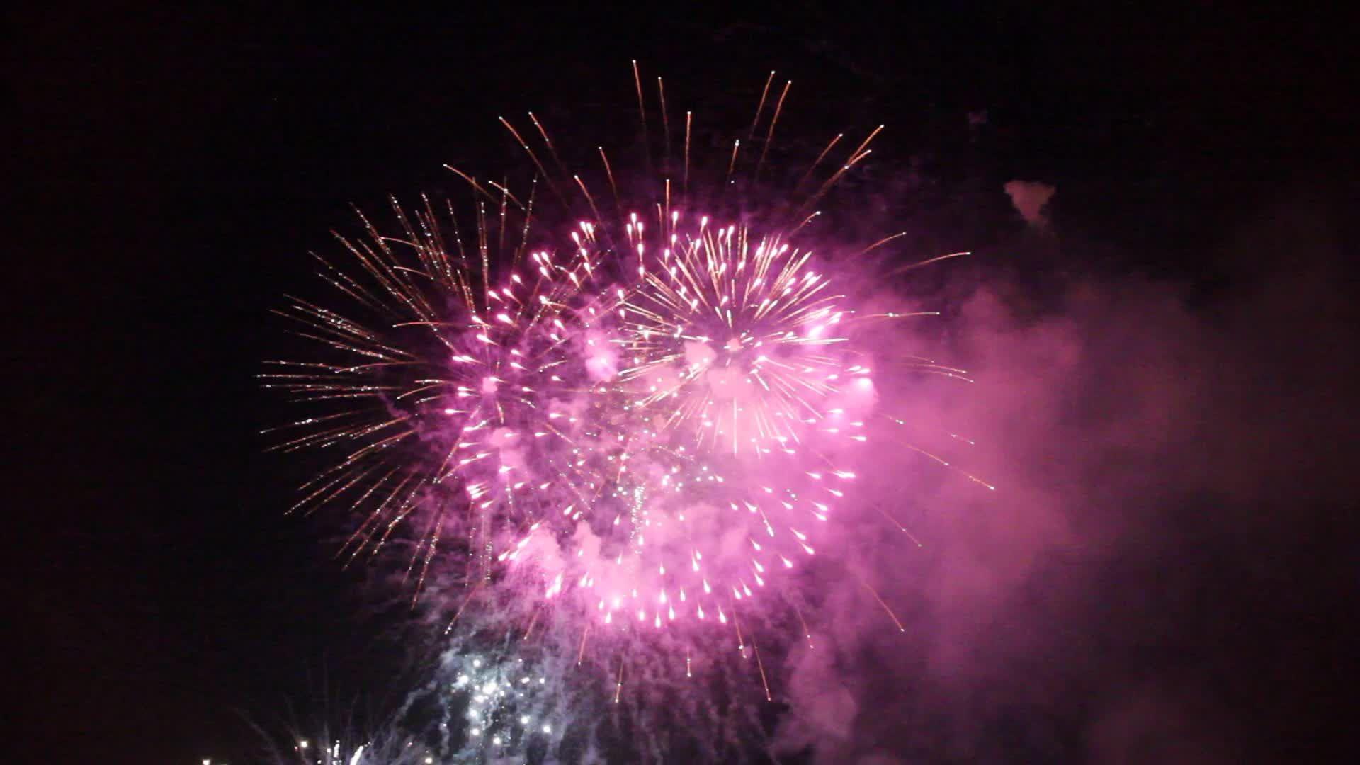 Fireworks 30 sec stock footage ad fireworkssecstock