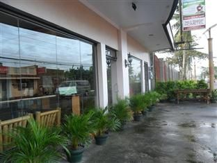 Salvador Manor de Legazpi - http://philippinesmegatravel.com/salvador-manor-de-legazpi/