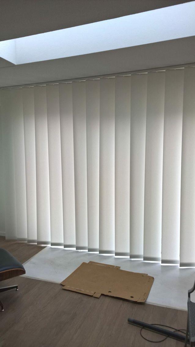 bece® window decoration 25 cm wide vertical slats en 2020