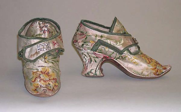 Shoes (image 1) | probably British | early 18th century | silk | Metropolitan Museum of Art | Accession #: 13.49.29a-d
