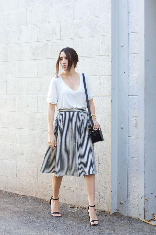 8f596d4edf3cd5 Black & White Outfit: white tee, vertical striped midi skirt ...