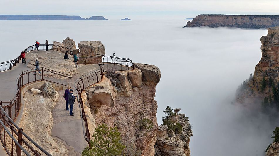 Sea of clouds fills Grand Canyon in spectacular weather