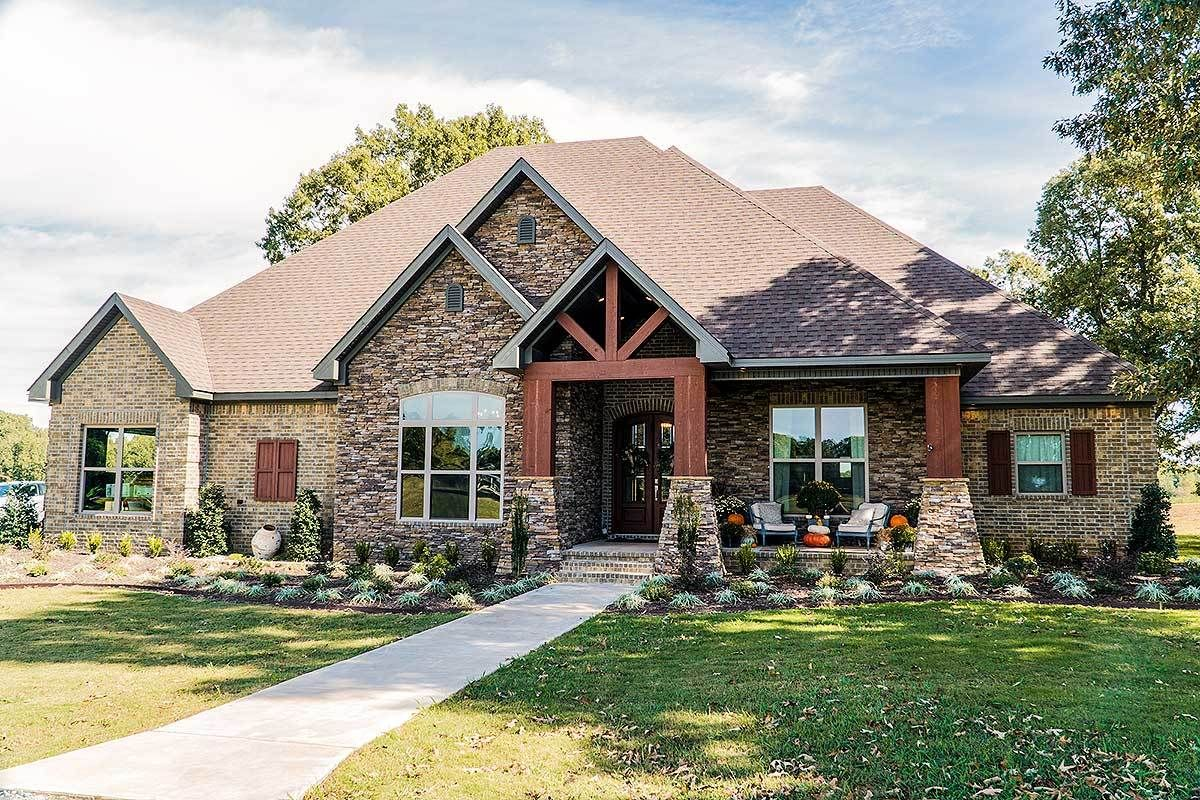 4 bed southern craftsman with side load garage 70530mk architectural designs house plans