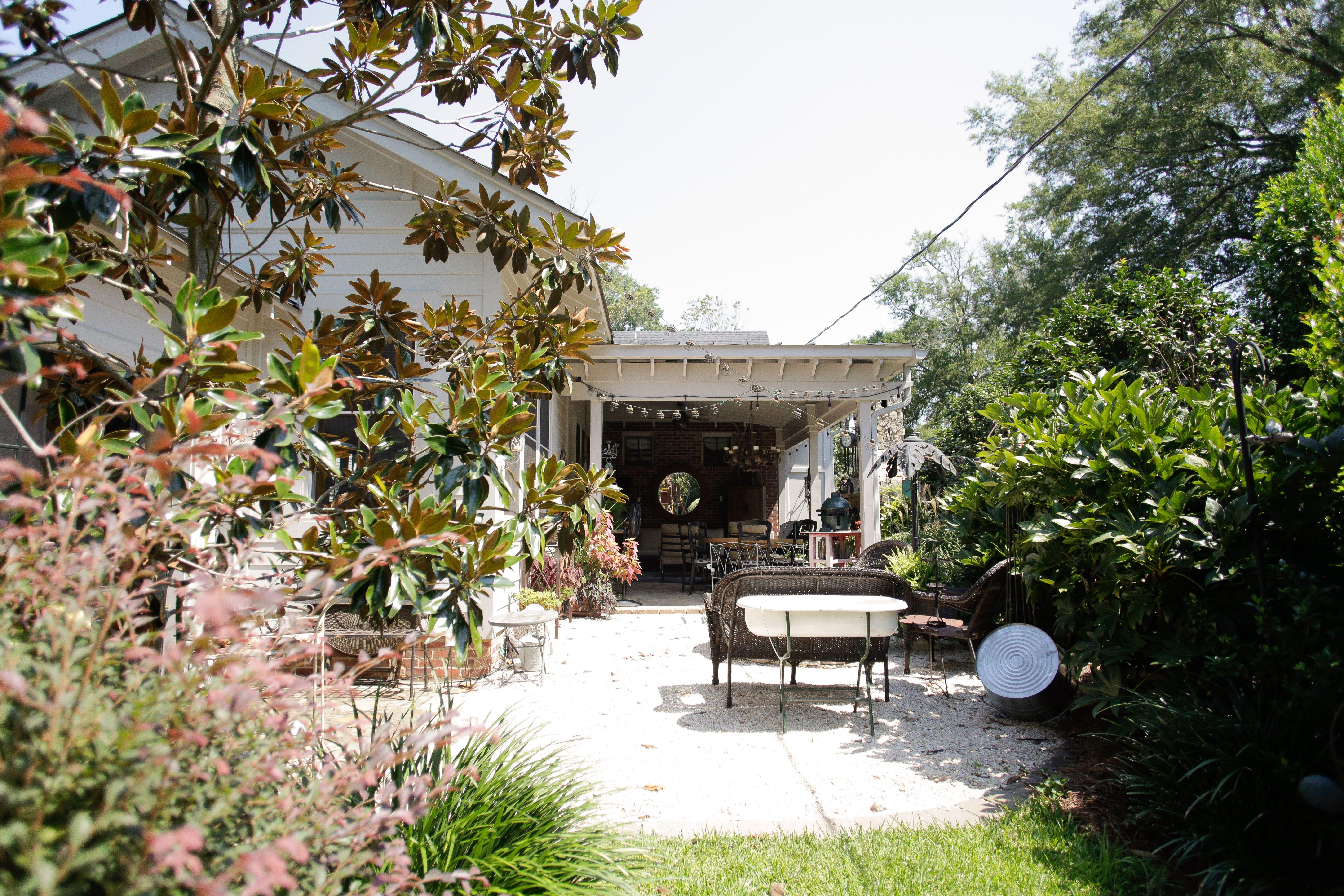 Outdoor Landscaping Backyard Design Magnolia Tree