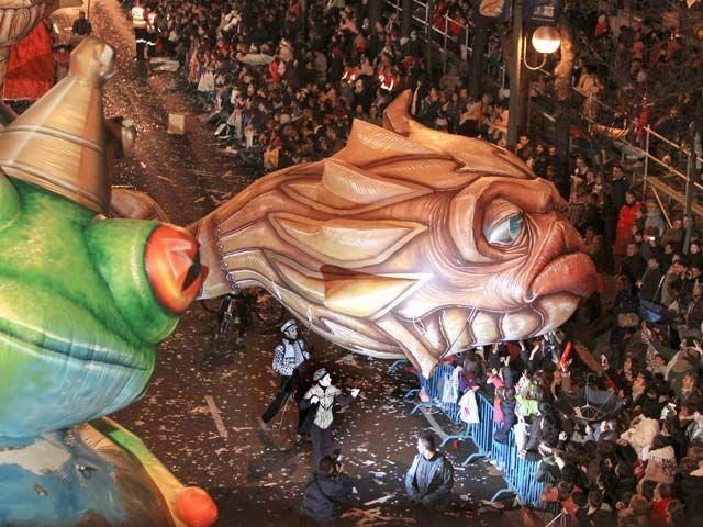 Los Reyes Magos De Oriente Llegan A España Cargados De Regalos Http Www Rtve Es Alacarta Videos Telediario Reyes Magos Orient Magos De Oriente Rey Mago Magos
