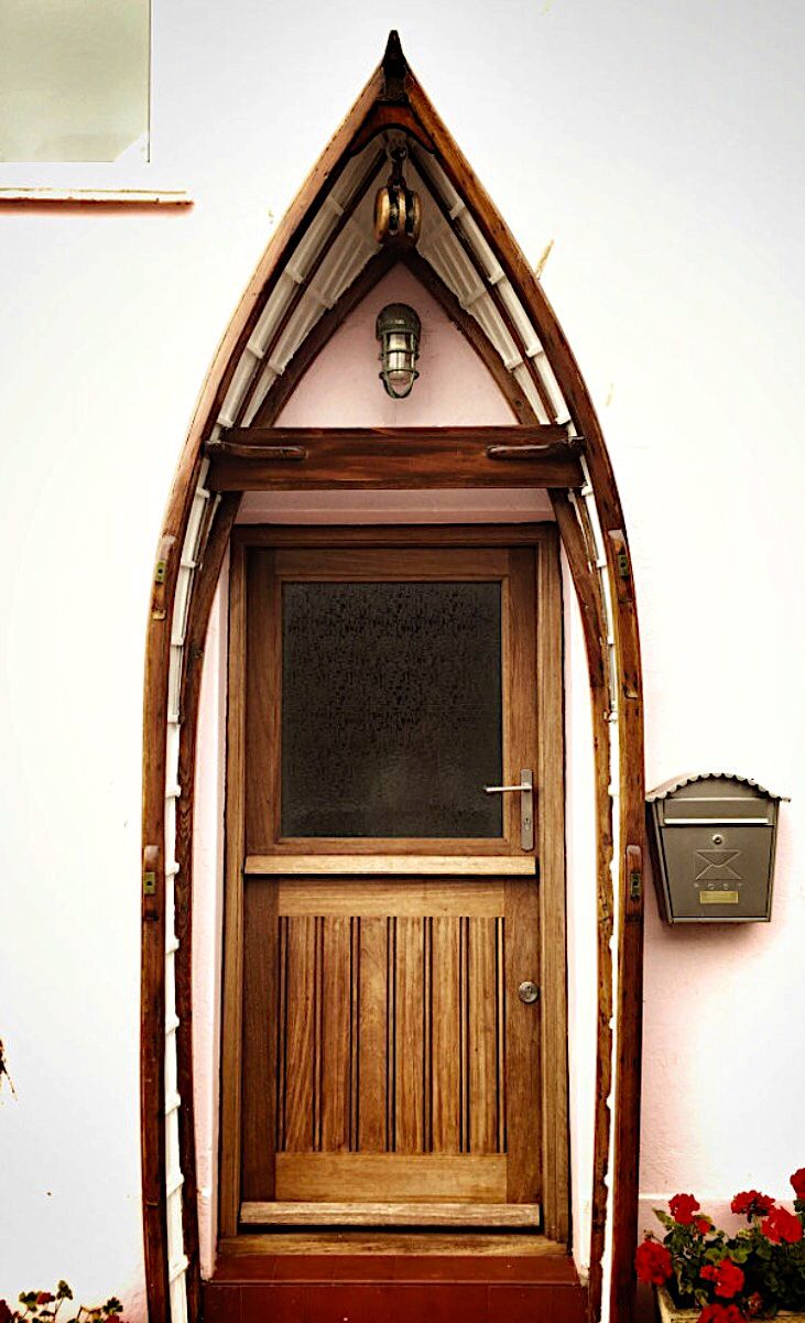 Pinishi boat kind of door? & Teignmouth Devon England... @ivannairem .. https://tr.pinterest ...