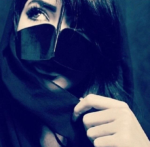Pin By Asooo On Arabic Features Cute Girl Photo Girl Photography Poses Makeup Eye Looks