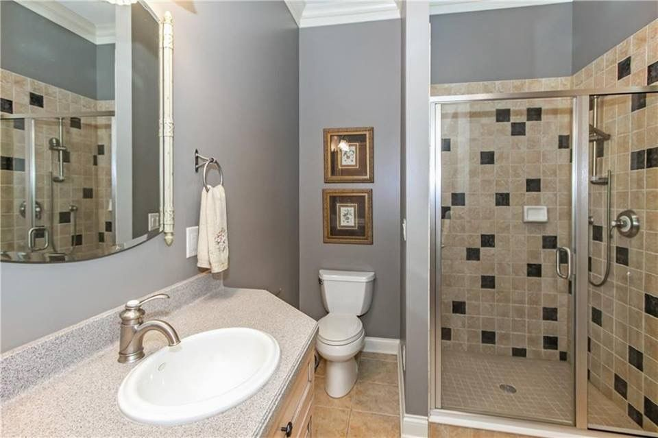 Behr Silver Bullet Paint In Bathroom With Ivory And Black Tiles Painting Bathroom Bathroom Paint Colors Behr Bathroom Paint Colors