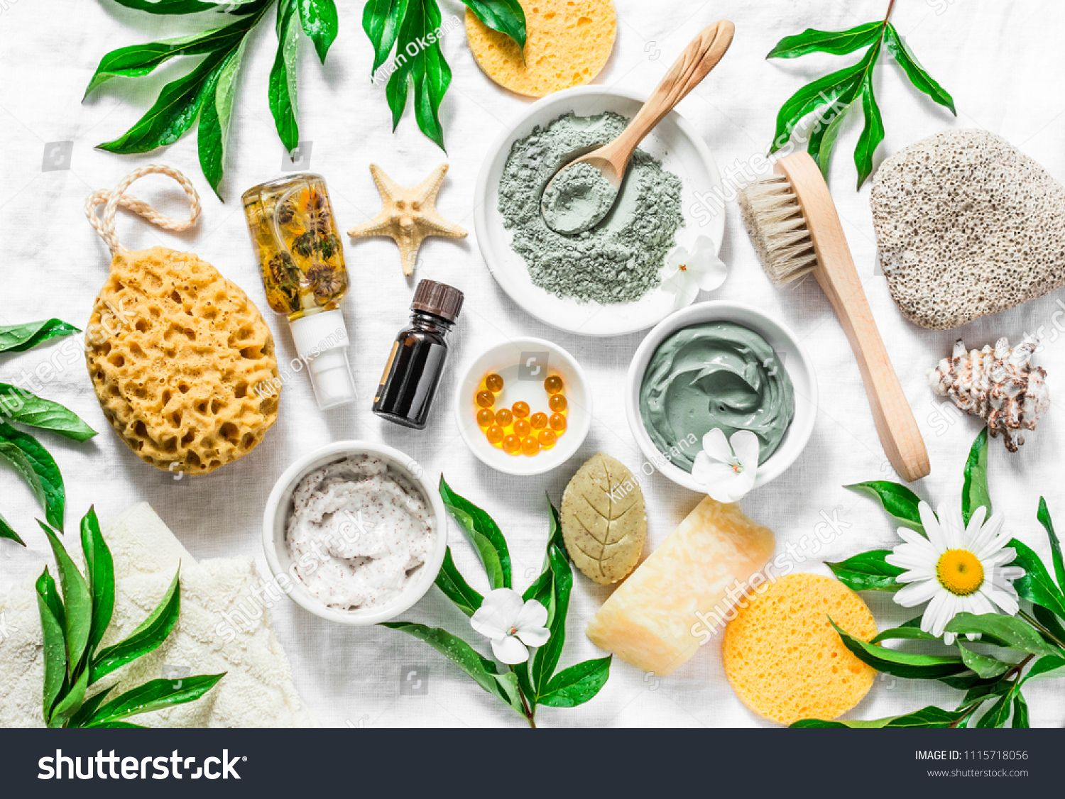 Flat Lay Beauty Skin Care Ingredients Accessories Natural Beauty Products On A Light Background Top View S Skincare Ingredients Beauty Skin Care Beauty Skin