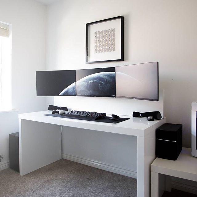 By Jespyy Desk 3x Dell U2414h Monitors Xbox One Lunar White Controller Corsair K70 Rgb Logitech Mx Master Edifi Tasarim Oda Ic Tasarim Ev Mobilyalari