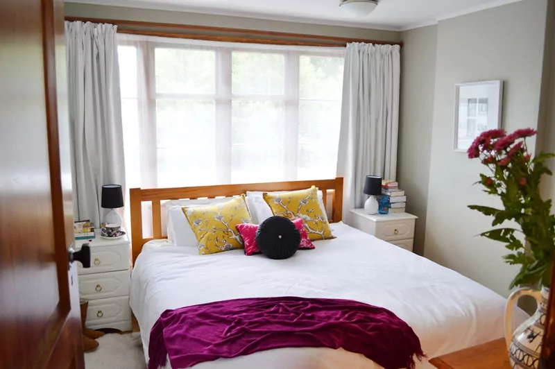 50 Ideas for Placing a Bed in Front of a Window Bed