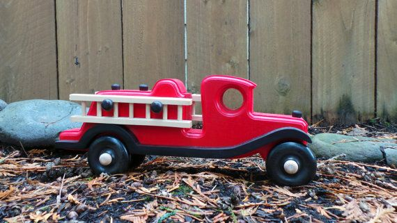 Handcrafted Wooden Toy Fire Truck Detachable Ladders Toy Fire