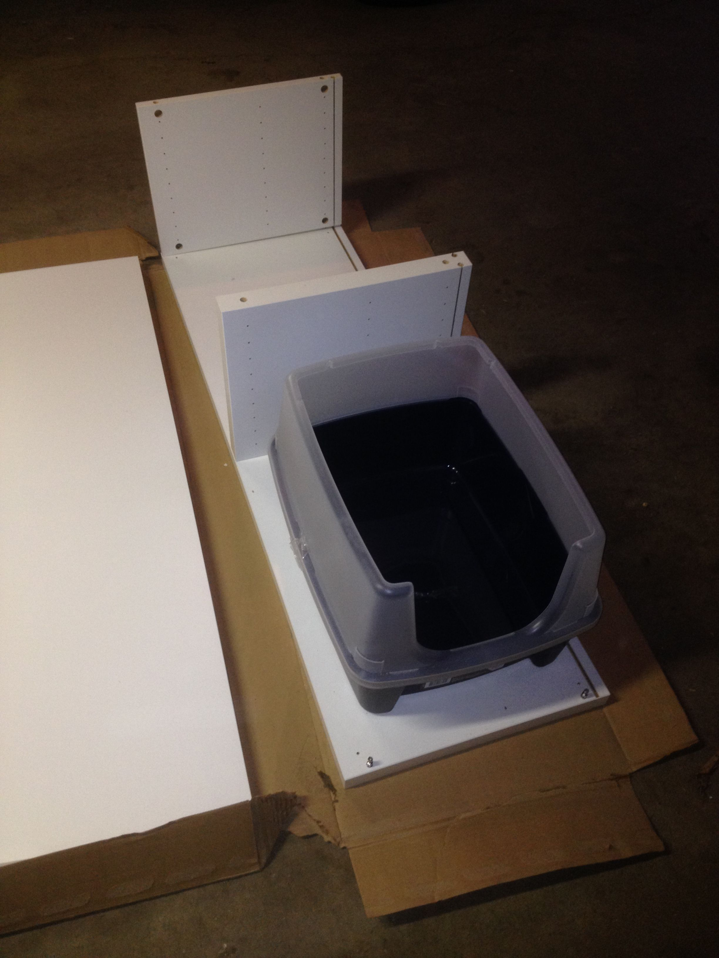 Hidden Cat Litter Boxes With Ikea Besta Cabinet Katzen Klo