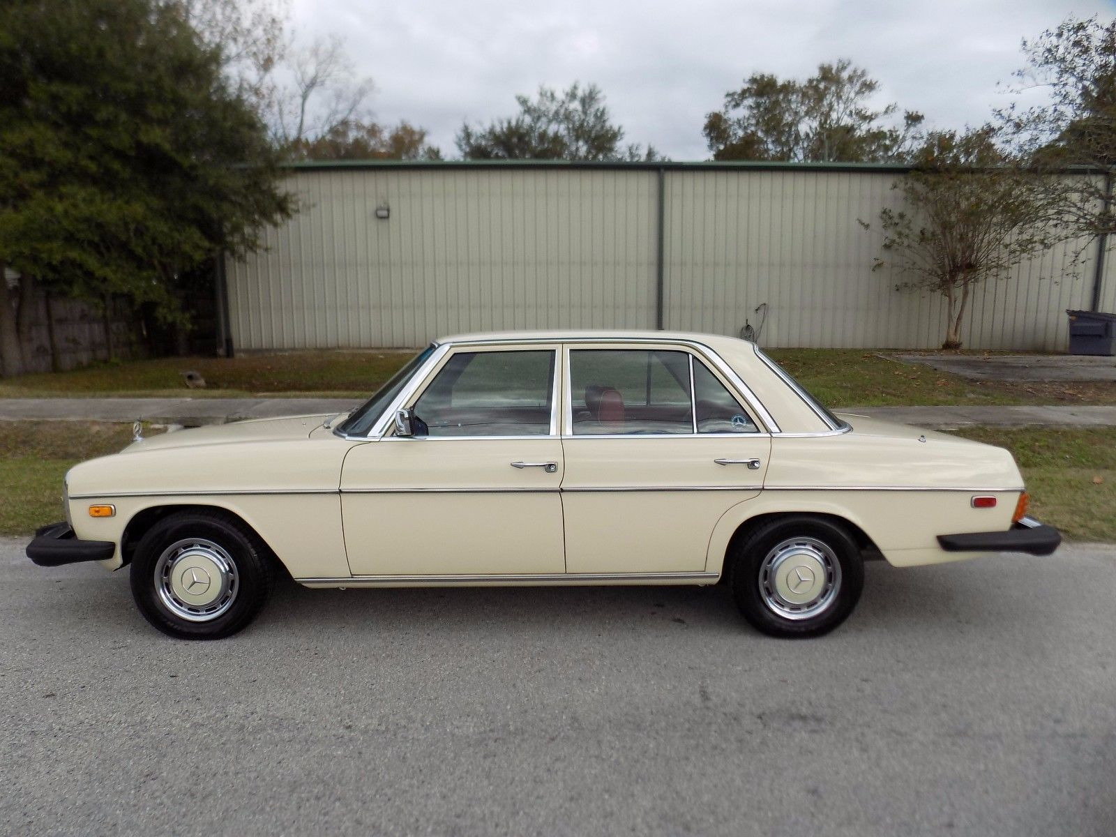 1976 Mercedes Benz 200 Series 240 D