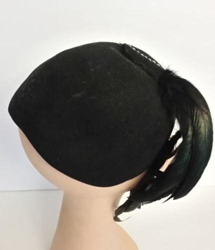 d4bf6f9e443f5 Vintage original 1930s 1940s Merrimac black wool tilt hat   long coq  feathers