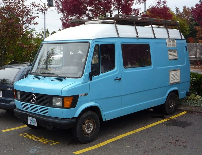 Curbside classic mercedes benz 207d t1 and other for Mercedes benz vans usa
