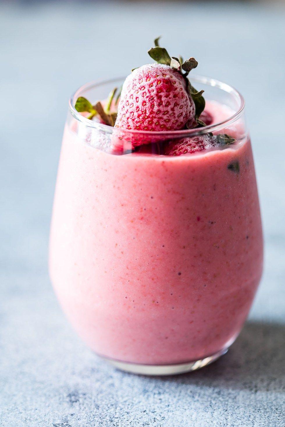 Frozen strawberry greek yogurt smoothie 10 minute