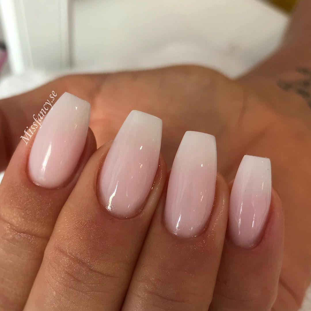 Nagelprodukter On Instagram Do You Like Natural Nails Like These Or Are You An All In Glitter Nai Short Acrylic Nails Best Acrylic Nails Coffin Nails Designs