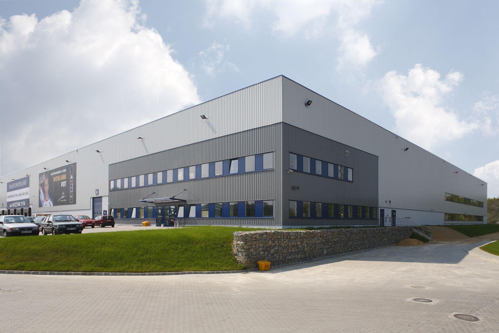 Panattoni park bielsko bia a parki magazynowe w polsce pinterest factory architecture for Industrial warehouse exterior design