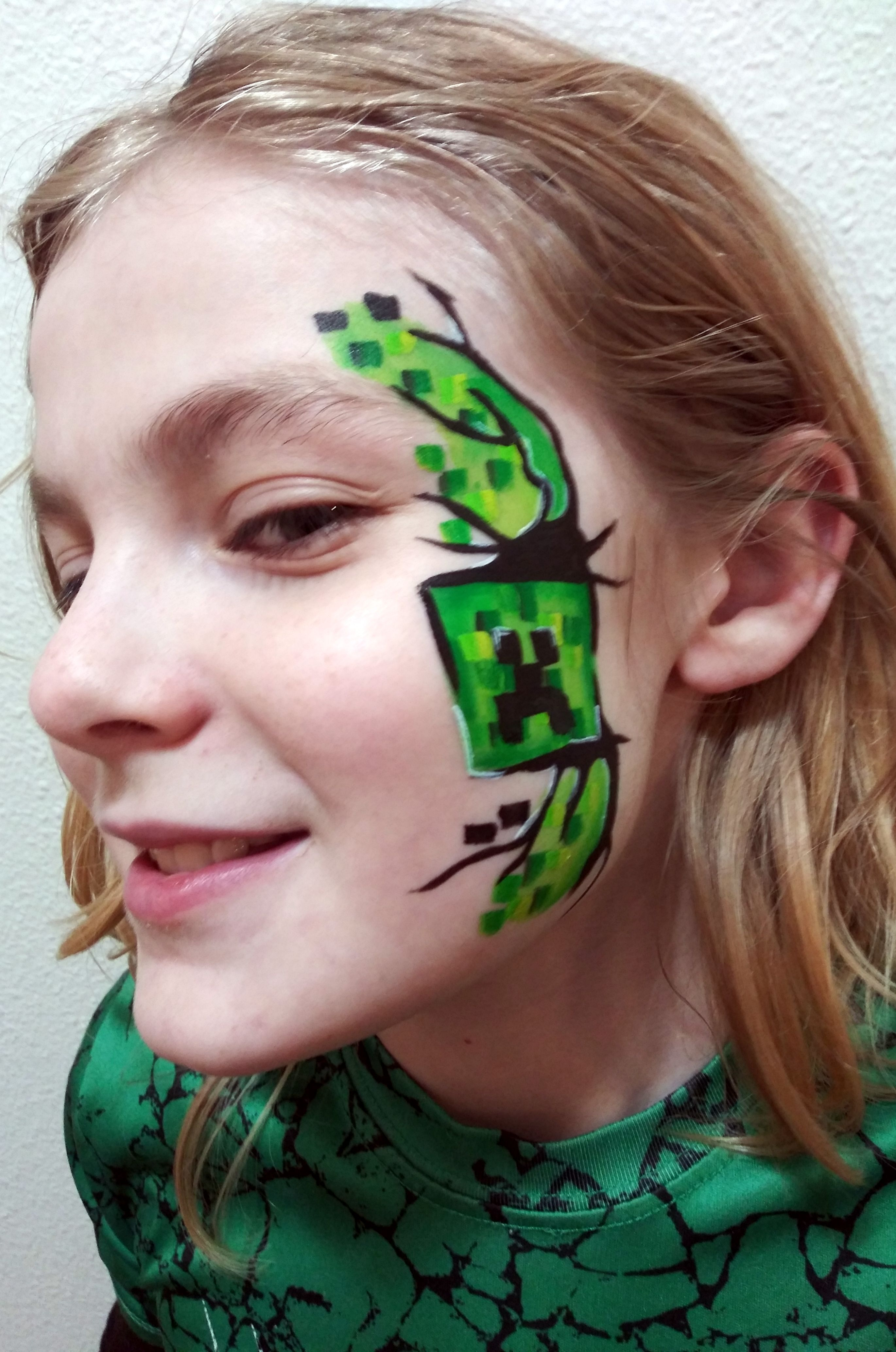 Minecraft Zombie Face Paint  Girl face painting, Zombie face