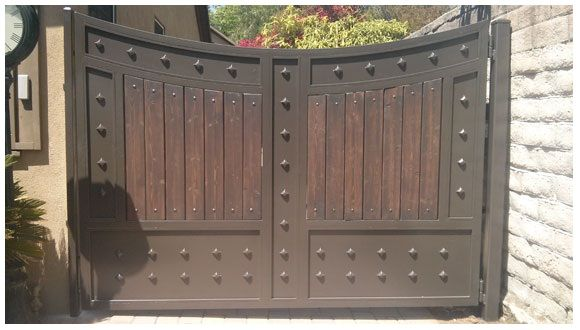Imagenes de portones de hierro para garage casa sabaneta for Portones de entrada principal