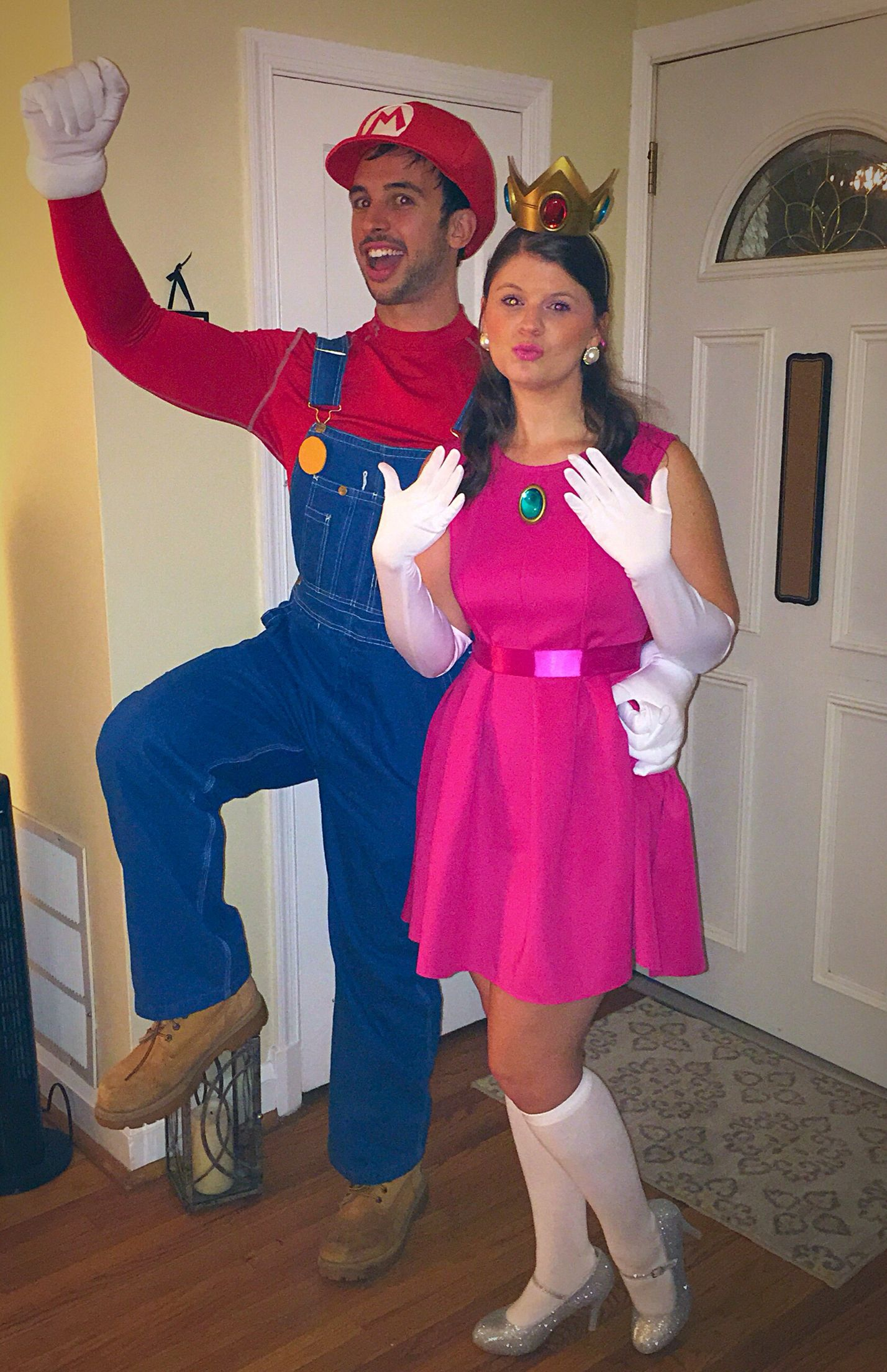 Mario and Princess Peach Halloween Costume Idea | Halloween ...