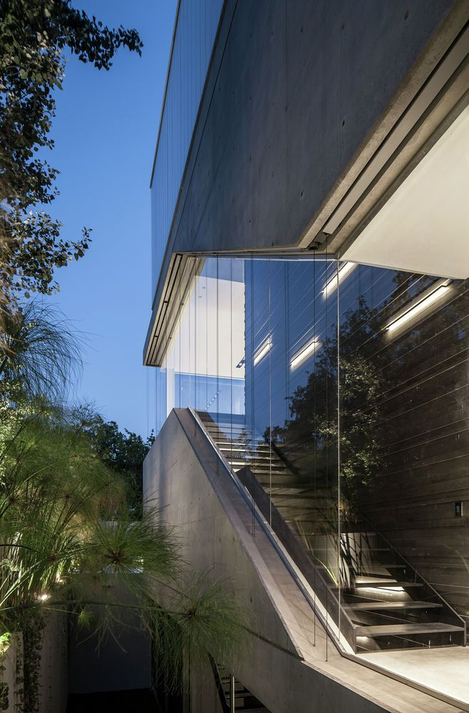 The Concrete Cut | Pitsou Kedem Architects   #Israel #PitsouKedemArchitects #RamatGan #Residential
