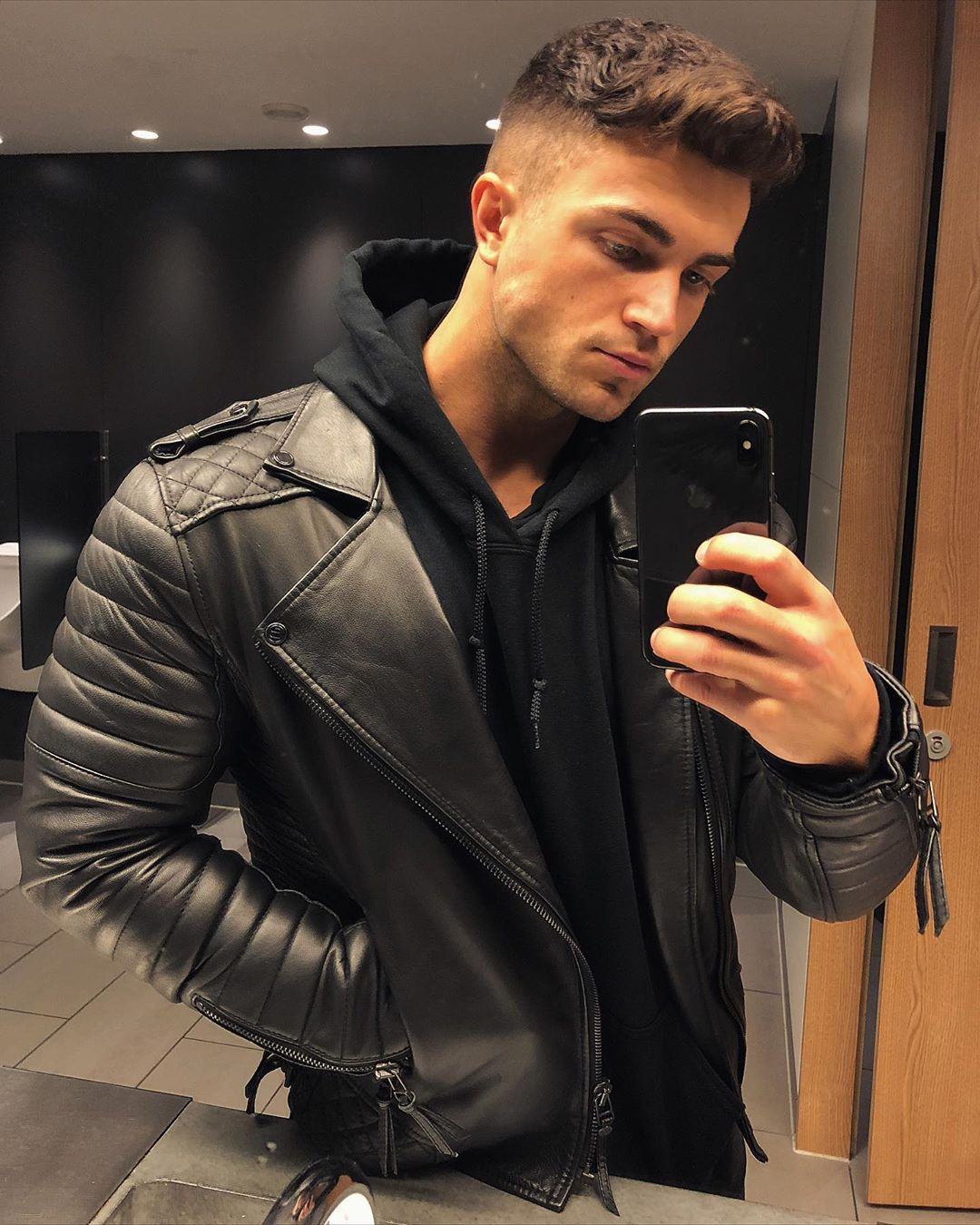 A Lot Can Change In A Year Throwback Fashion Swag Style Cute Coiffure Homme Style Coiffure Homme Cheveux Court Coiffure Homme