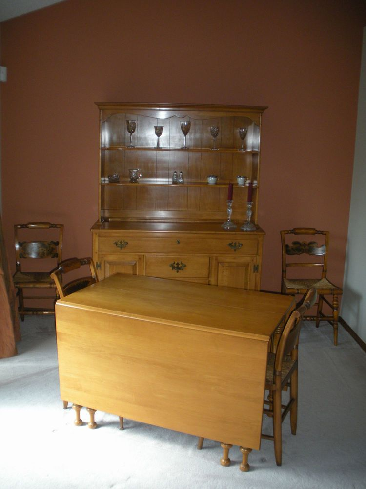 1950s Vintage Solid Maple Willett Lancaster County Hutch Dining Table 5 Chairs WillettandHitchcock