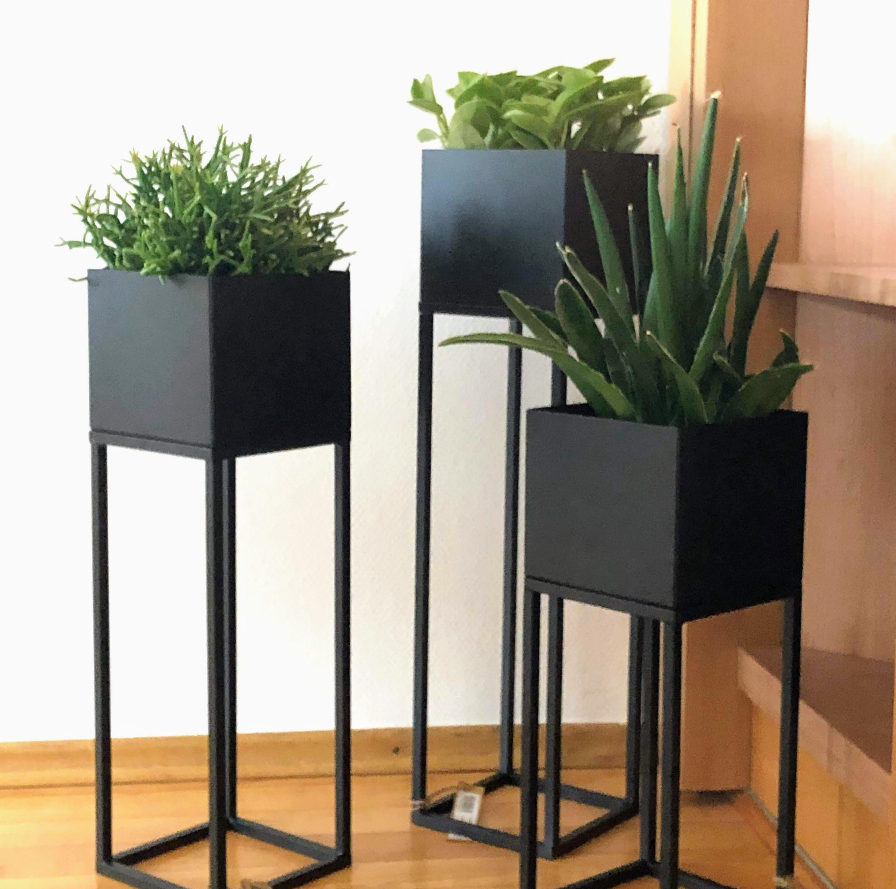 Blumenständer Metall quadratisch mit Gestell, schwarz