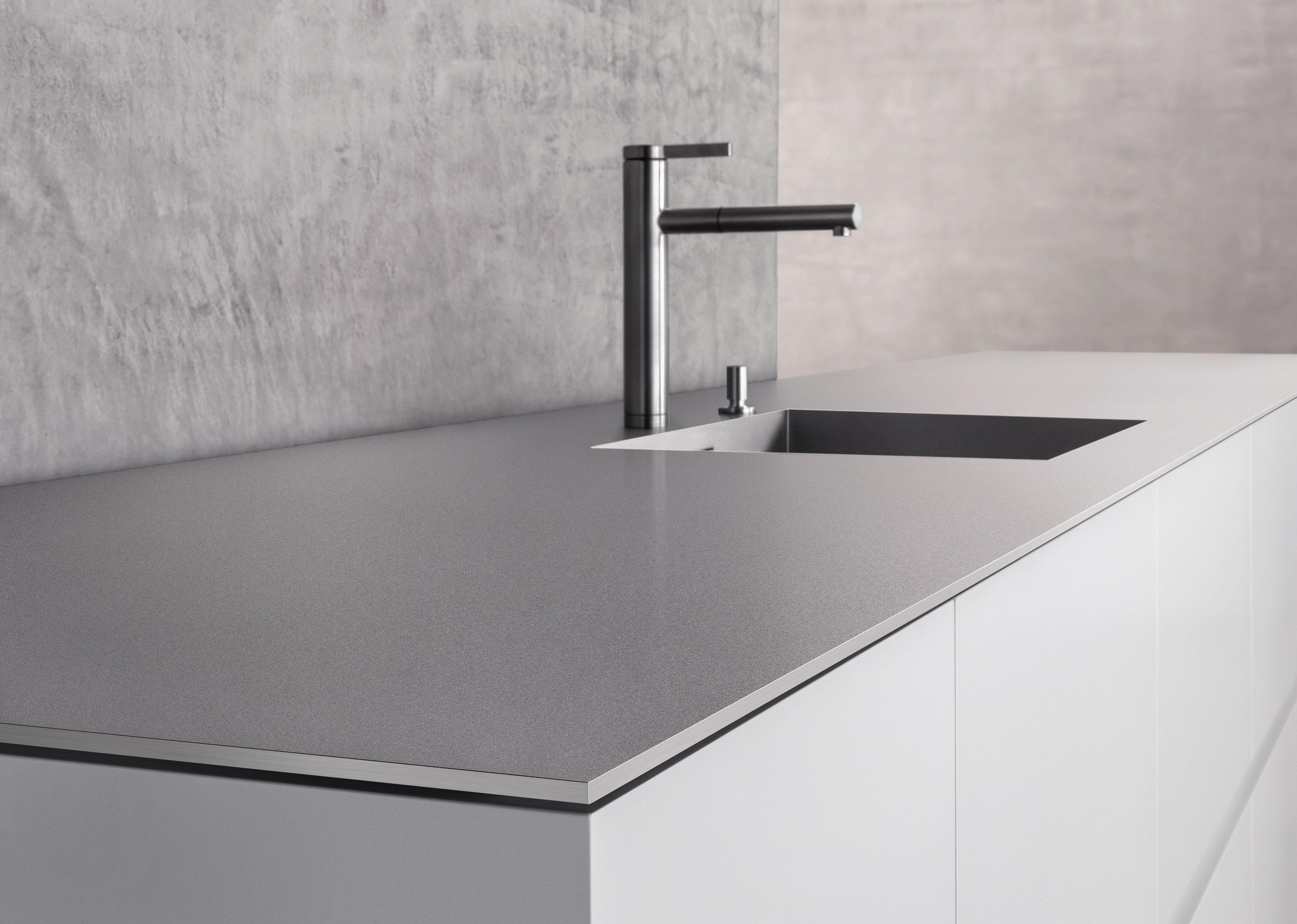 arbeitsplatte k che keramik oder granit fritz reuter 23. Black Bedroom Furniture Sets. Home Design Ideas