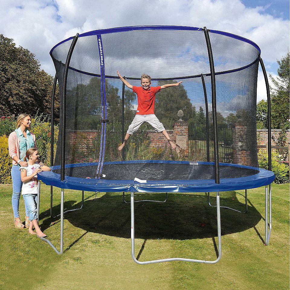 die besten 25 trampolin 366 ideen auf pinterest unterirdisches trampolin trampolin raum und. Black Bedroom Furniture Sets. Home Design Ideas