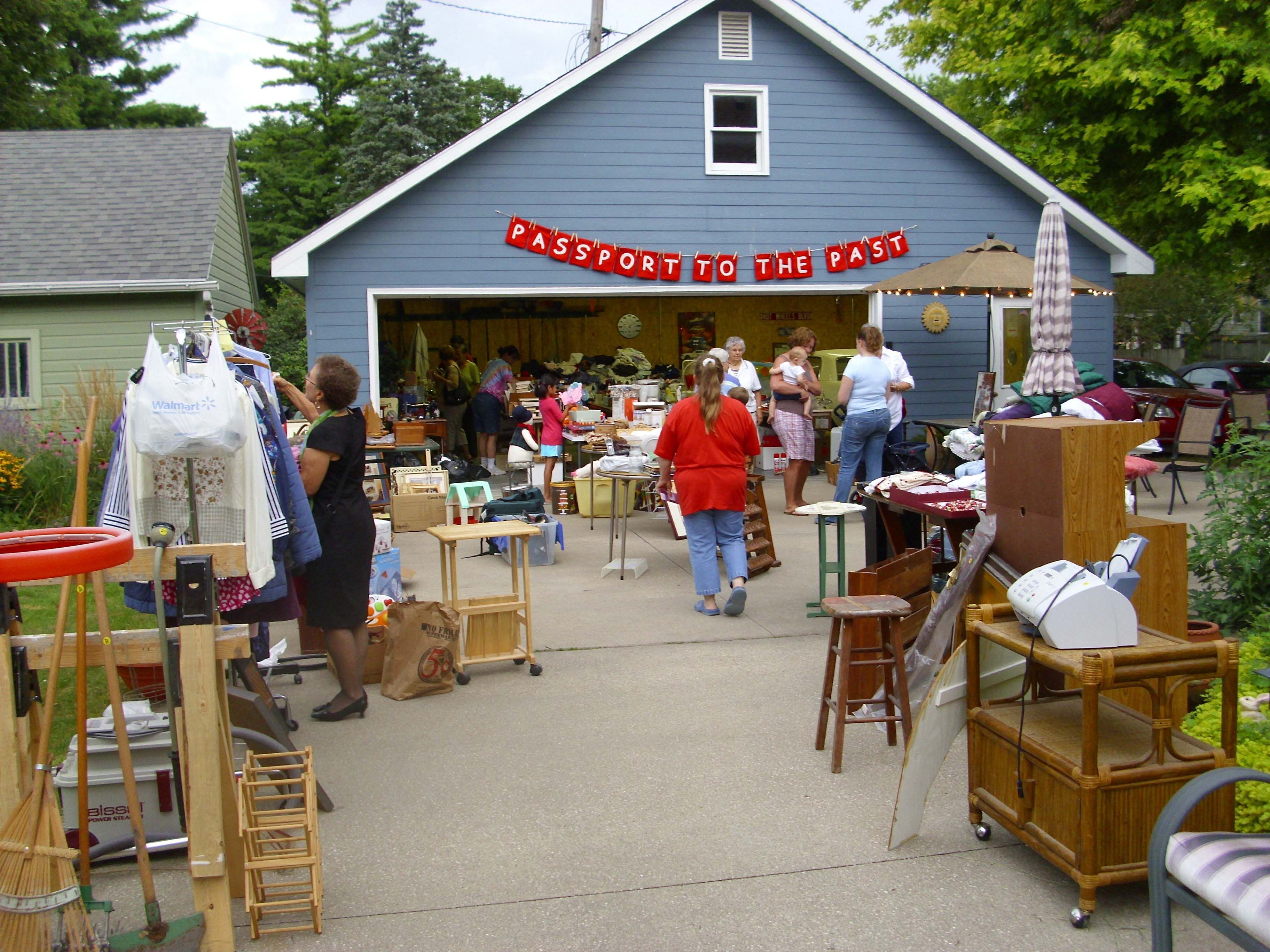 The Ultimate Guide to Holding a Garage Sale
