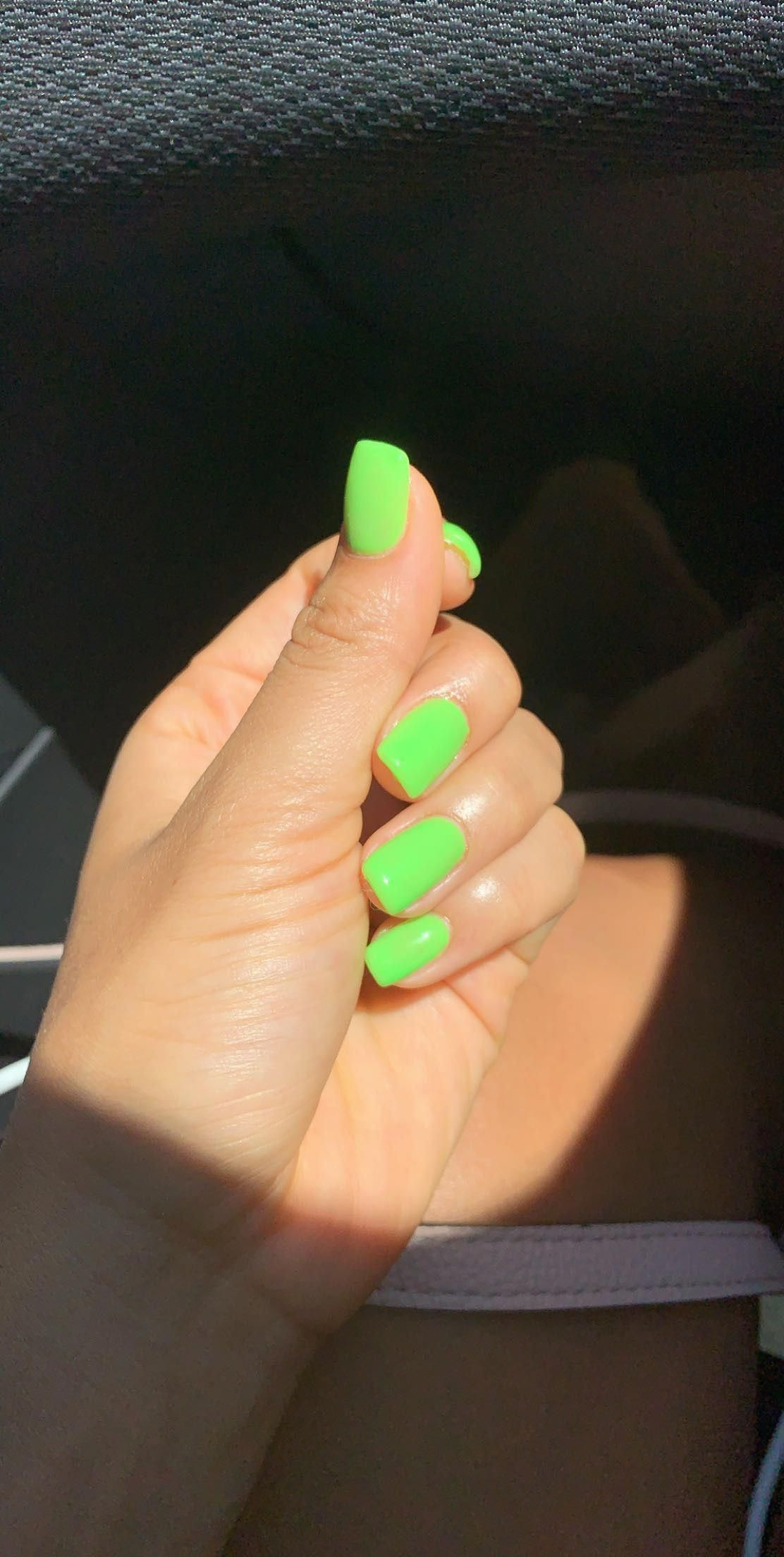 Short Neon Green Nails Neonnails In 2020 With Images Neon