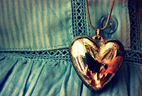 Golden Heart Locket Girly Dress Jewelry Vintage Old Necklace