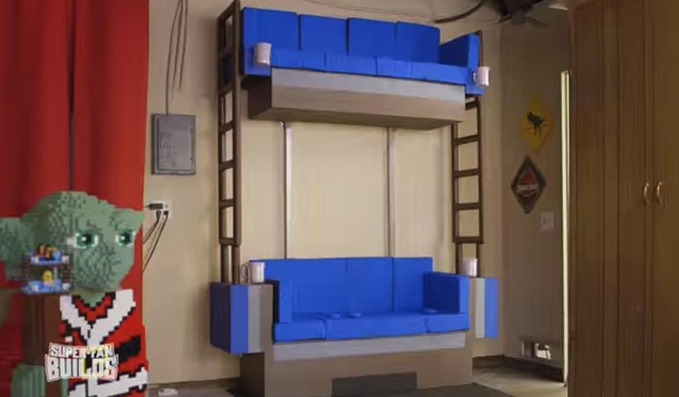 Fantastisch Attraktiv Fans Get Their Own Lego Double Decker Couch